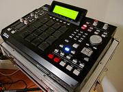 AKAI MPC 2500,  Pioneer DJM 800,  Denon DN-D9000,  Roland MV-8800